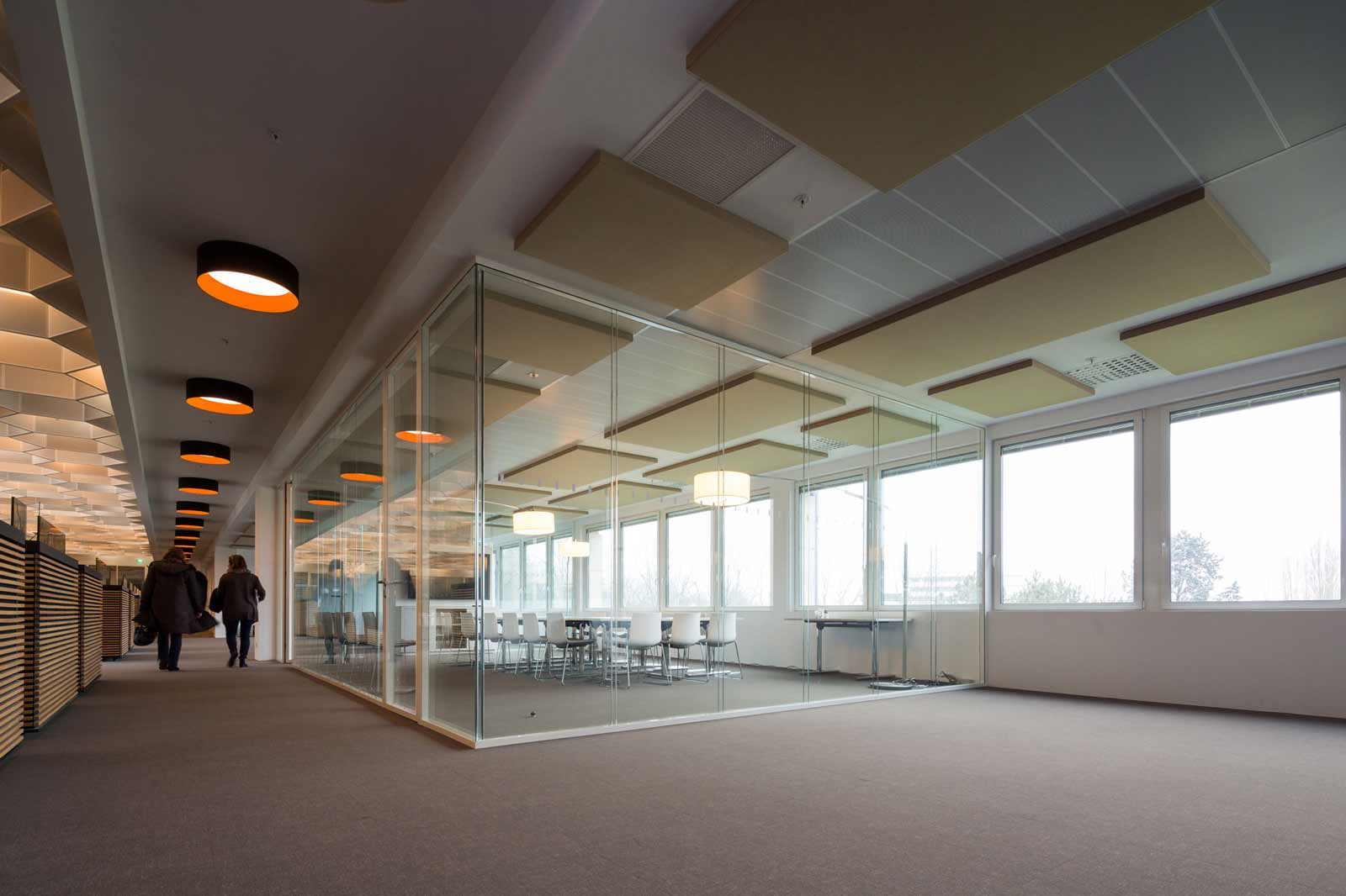 Salle de réunion Ouest France - Panneaux acoustiques - cloisons amovibles bord à bord
