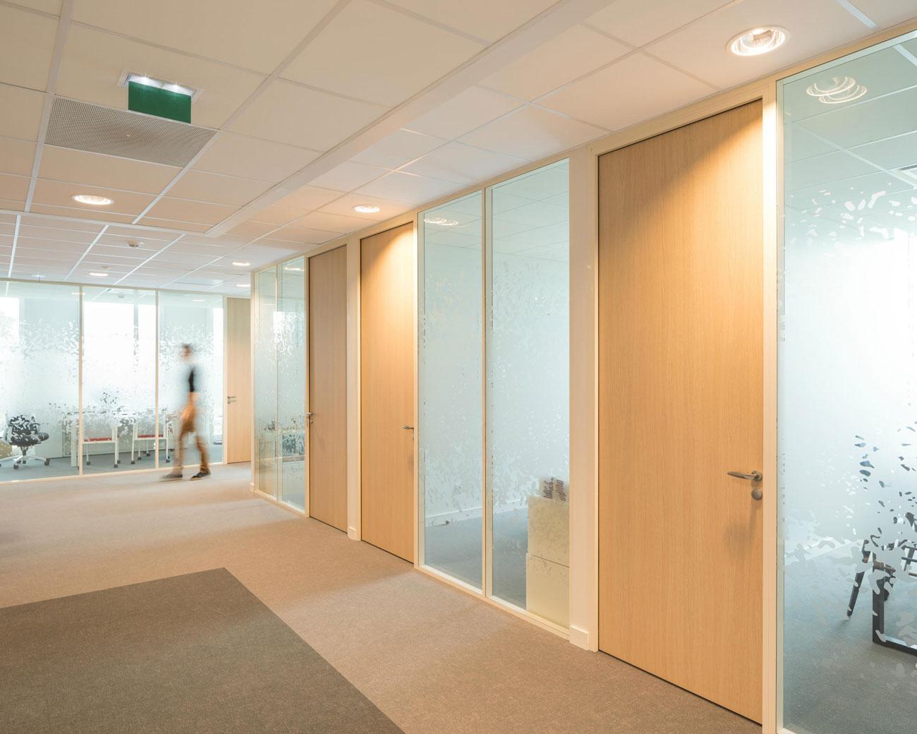 Langlois Sobreti Nantes Amenagement Bancaire Cloison Modulaire Cepbl 44 Couloir Plafonds Bloc Porte