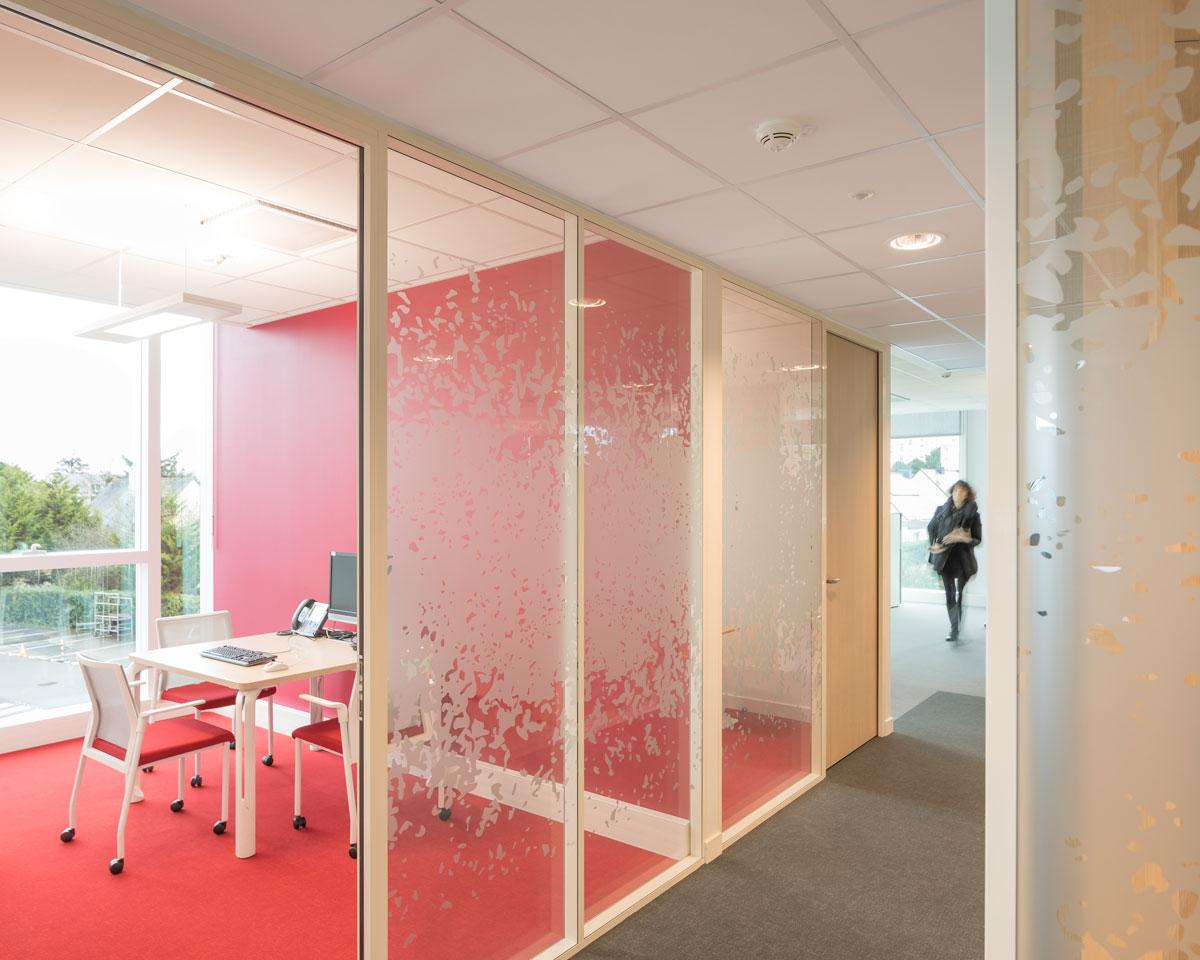 Langlois Sobreti Nantes Amenagement Banque Cloison Modulaire Cebpl 44 Plafonds Suspendus Reunion