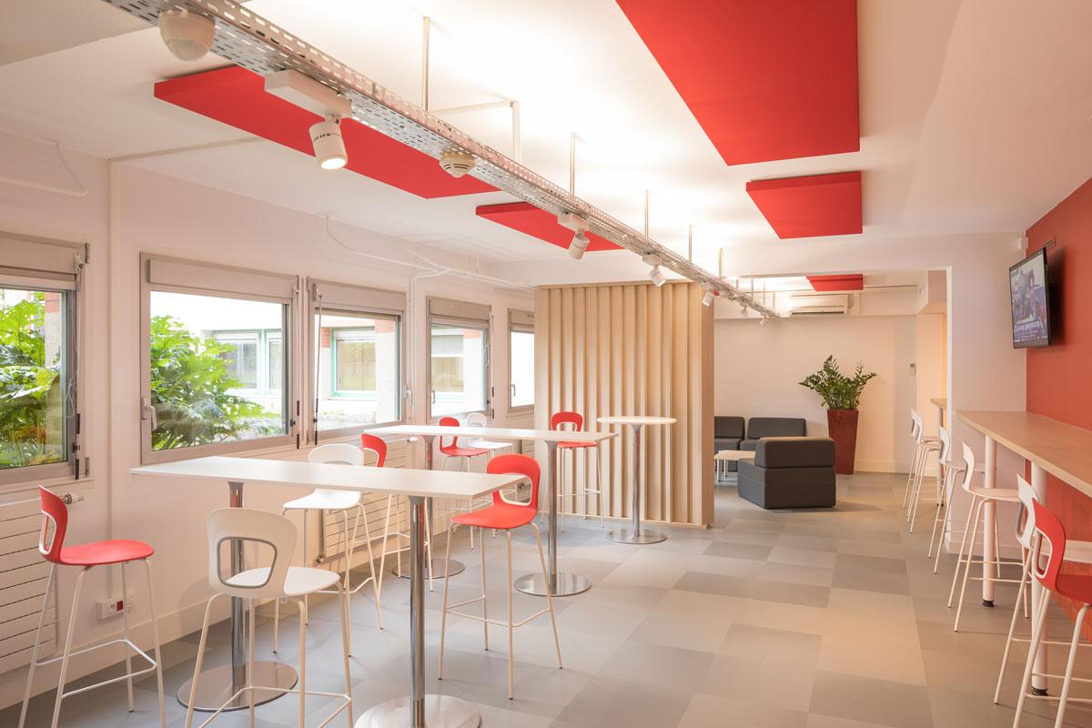 Langlois Sobreti Nantes Panneaux Acoustique Caisse Epargne 44 Orvault Paroi Bois Cafeteria