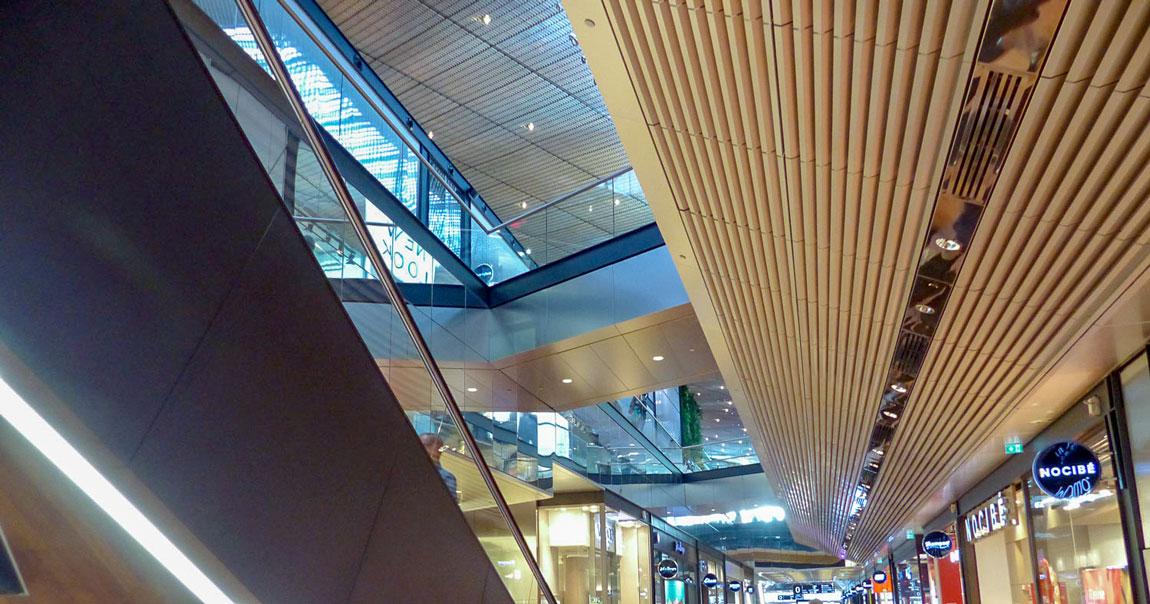 Langlois Sobreti Paris Centre Commercial Euralille Alucobond Plafond Rampant Plafond Resille