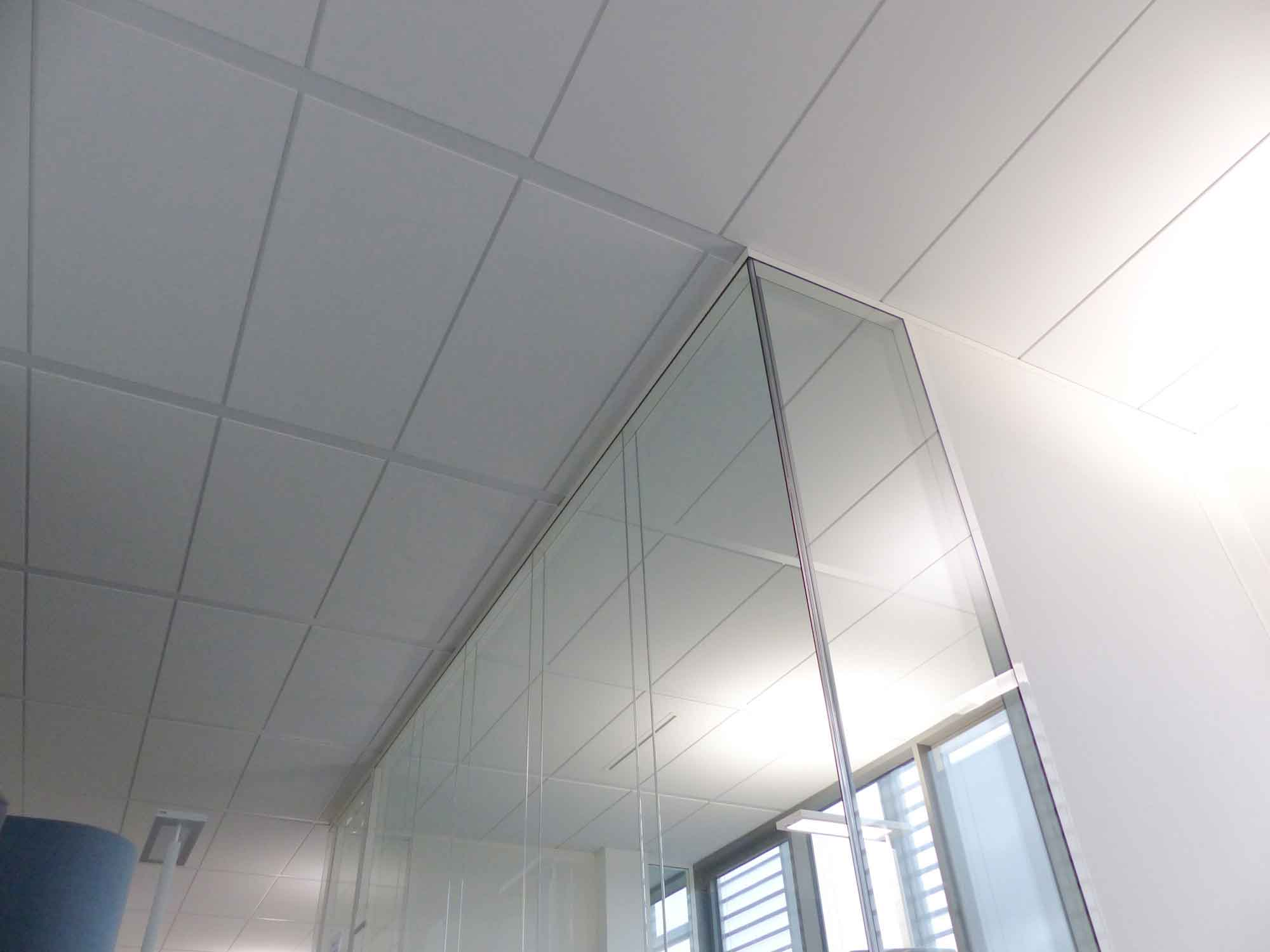 Langlois Sobreti Rennes Roullier St Malo Amenagement Siege Cloison Modulaire Vitree Transparence